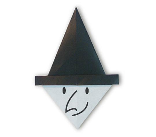 おりがみくらぶ(新宮文明)さんによるまじょのかおの折り紙
