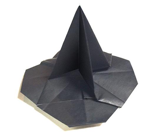 おりがみくらぶ(新宮文明)さんによるまじょのぼうし2の折り紙