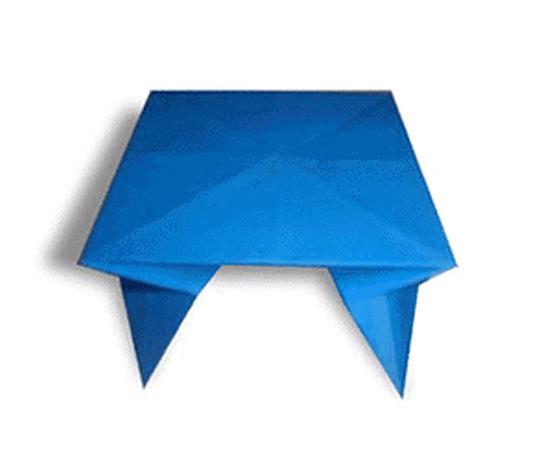 オリカタ公式さんによる《伝承》テーブルの折り紙