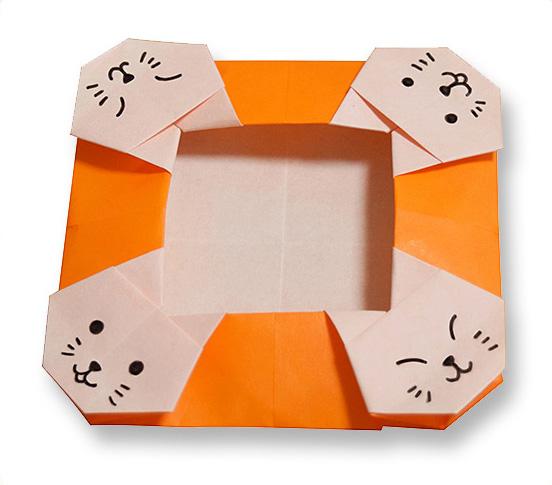 おりがみくらぶ(新宮文明)さんによるねこのかしざらの折り紙