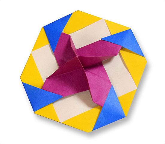 おりがみくらぶ(新宮文明)さんによるこま3の折り紙