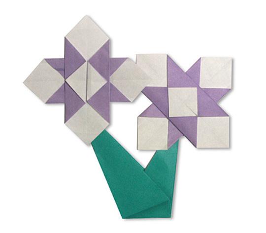 おりがみくらぶ(新宮文明)さんによるあやめの折り紙