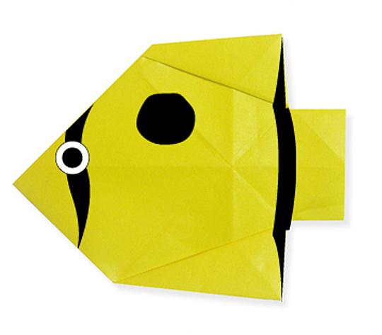 おりがみくらぶ(新宮文明)さんによるちょうちょううおの折り紙