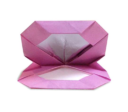 おりがみくらぶ(新宮文明)さんによるけしょうひんの折り紙