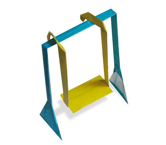 おりがみくらぶ(新宮文明)さんによるぶらんこの折り紙