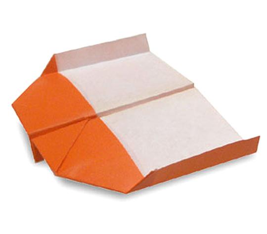 おりがみくらぶ(新宮文明)さんによるのしいかひこうきの折り紙