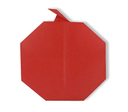 おりがみくらぶ(新宮文明)さんによるりんごの折り紙