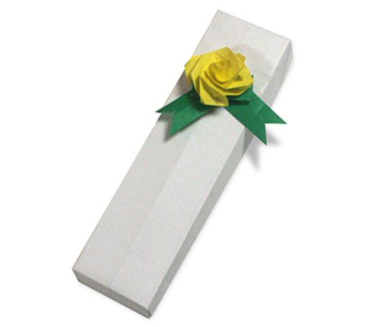 おりがみくらぶ(新宮文明)さんによるながばこの折り紙