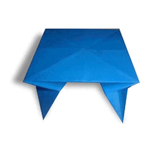おりがみくらぶ(新宮文明)さんによるてーぶるの折り紙