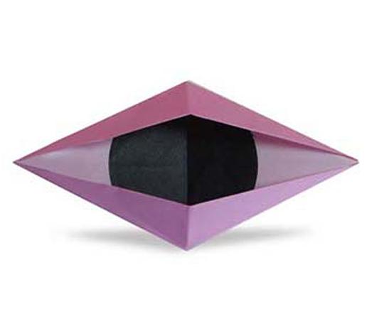 おりがみくらぶ(新宮文明)さんによるおめめ ぱちぱちの折り紙