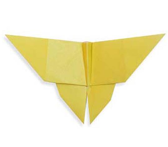 おりがみくらぶ(新宮文明)さんによるちょうちょの折り紙