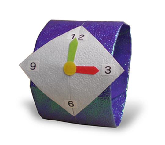 おりがみくらぶ(新宮文明)さんによるうでどけい 2の折り紙
