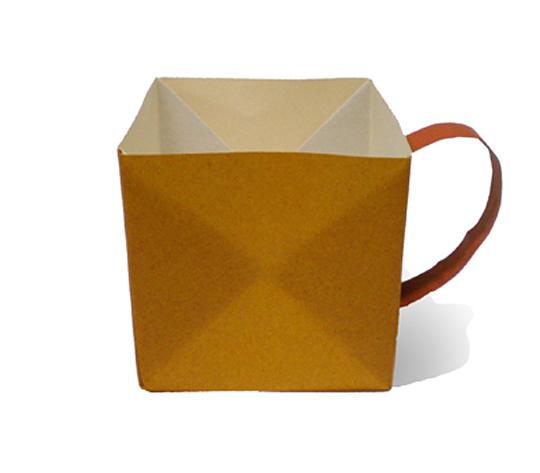 おりがみくらぶ(新宮文明)さんによるこーひーかっぷの折り紙
