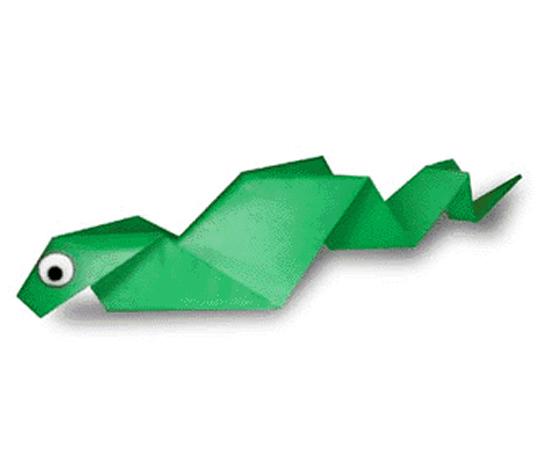 おりがみくらぶ(新宮文明)さんによるへびの折り紙