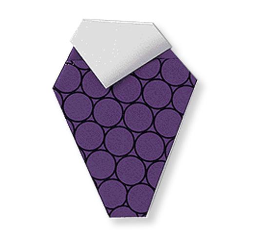おりがみくらぶ(新宮文明)さんによるぶどうの折り紙