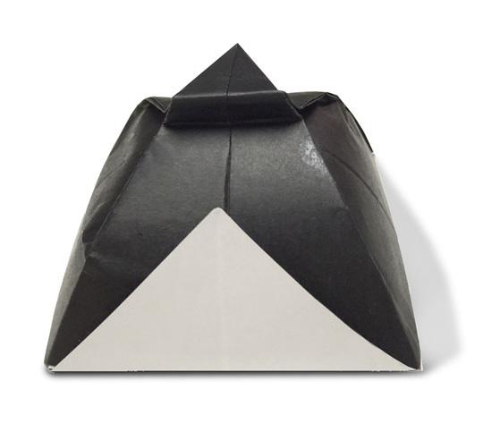おりがみくらぶ(新宮文明)さんによるさむらいきゃっぷの折り紙
