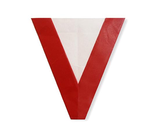 おりがみくらぶ(新宮文明)さんによるV(ぶぃ)の折り紙