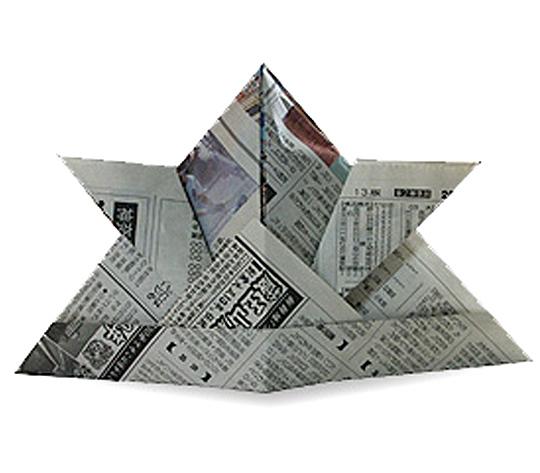 おりがみくらぶ(新宮文明)さんによるかぶとの折り紙