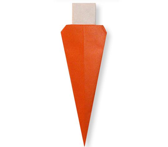 おりがみくらぶ(新宮文明)さんによるにんじんの折り紙