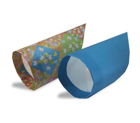 おりがみくらぶ(新宮文明)さんによるわっかひこうきの折り紙