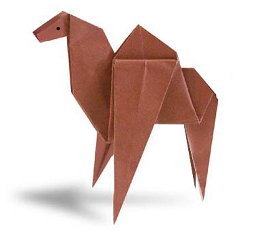 おりがみくらぶ(新宮文明)さんによるらくだの折り紙