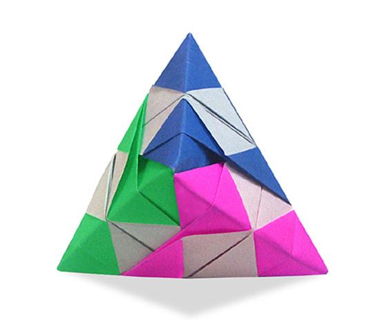 おりがみくらぶ(新宮文明)さんによるごばん両三角錐の折り紙