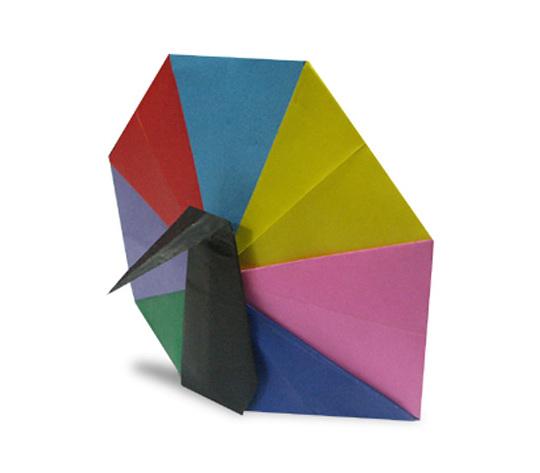 おりがみくらぶ(新宮文明)さんによるくじゃくの折り紙