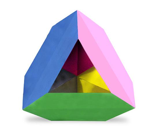 おりがみくらぶ(新宮文明)さんによる長六角ゆにっと三角錐の折り紙