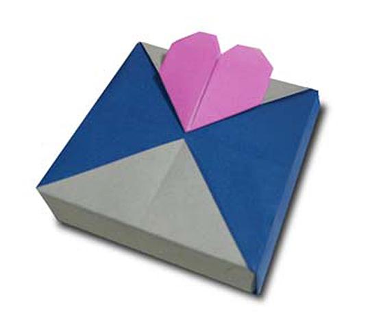 おりがみくらぶ(新宮文明)さんによるはーとのかざり 2の折り紙