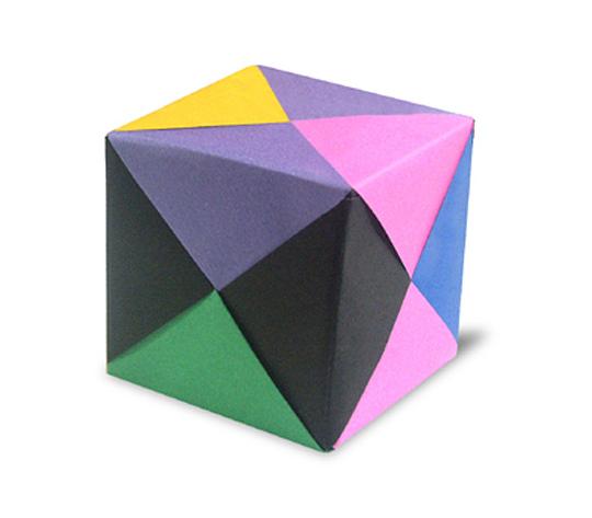 おりがみくらぶ(新宮文明)さんによる立方体の折り紙