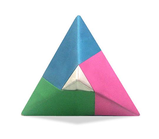 おりがみくらぶ(新宮文明)さんによるらいん両三角錐の折り紙