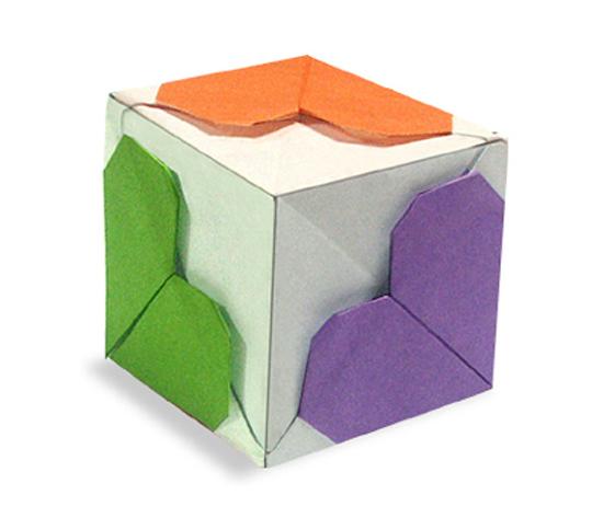 おりがみくらぶ(新宮文明)さんによるはーと立方体の折り紙