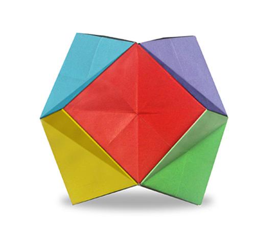 おりがみくらぶ(新宮文明)さんによるからー24面体の折り紙