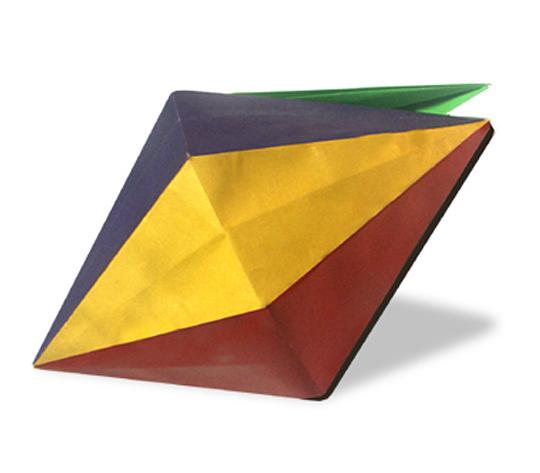 おりがみくらぶ(新宮文明)さんによる7色箱の折り紙