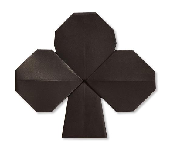 おりがみくらぶ(新宮文明)さんによるくろーばー(とらんぷ)の折り紙