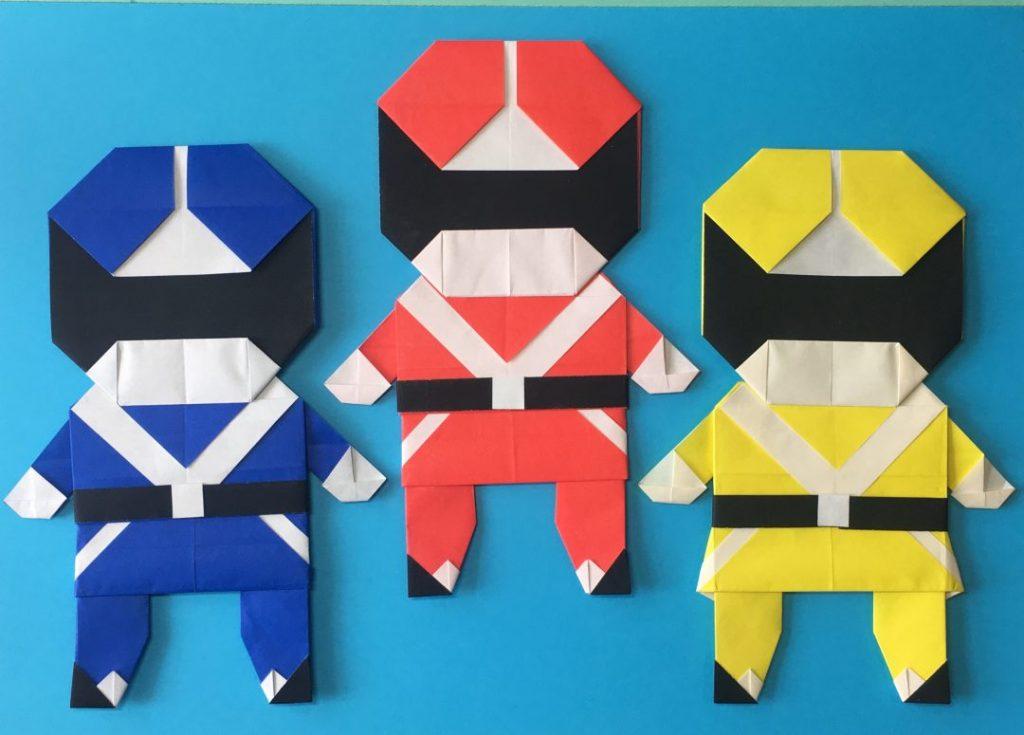 Oriya小町さんによるヒーロー折り紙の折り紙