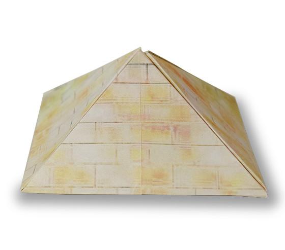 おりがみくらぶ(新宮文明)さんによるぴらみっどの折り紙