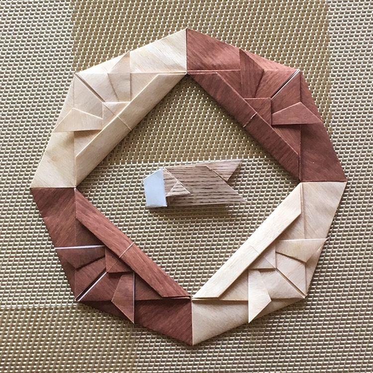 Oriya小町さんによるかぶとのリース〈壱〉〈弐〉の折り紙