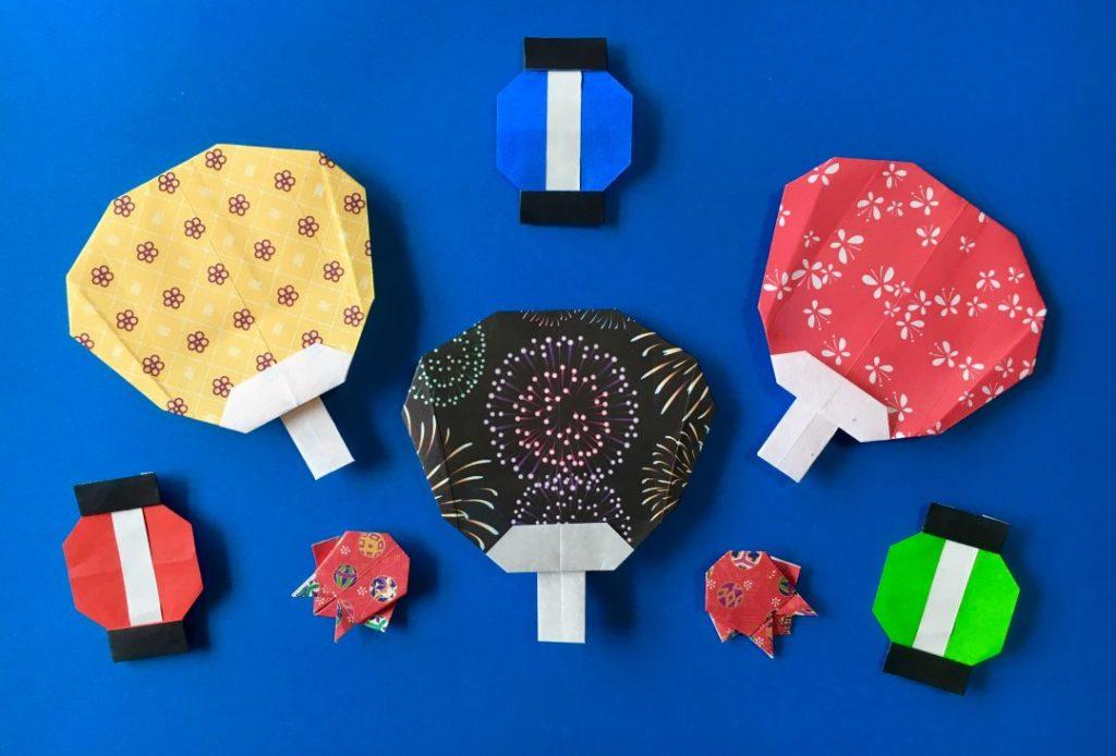 Oriya小町さんによるうちわの折り紙