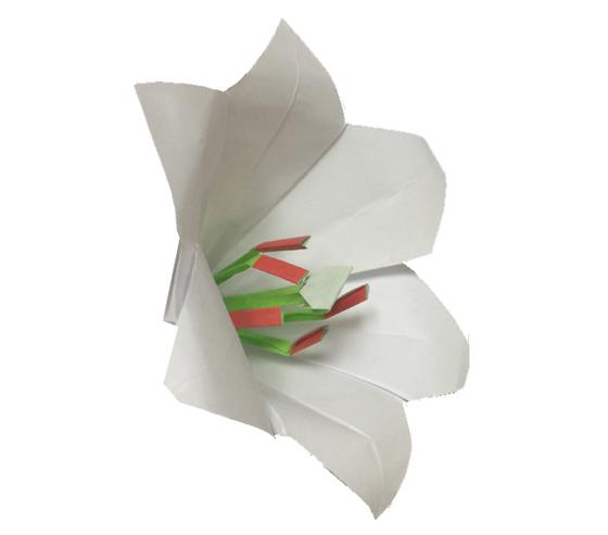 おりがみくらぶ(新宮文明)さんによるゆりの折り紙
