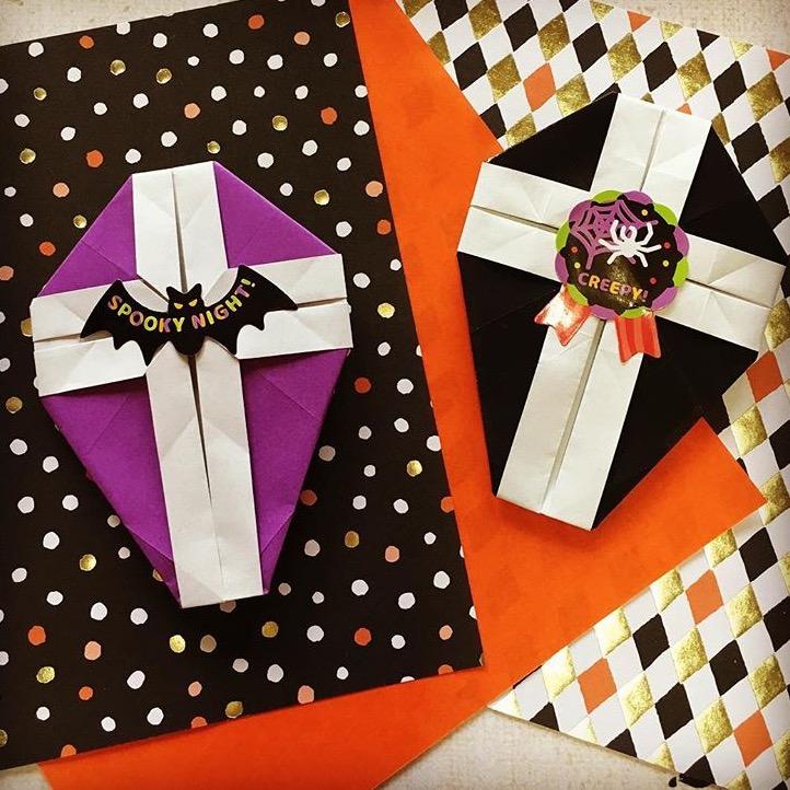 Oriya小町さんによるコフィン(棺桶)の折り紙