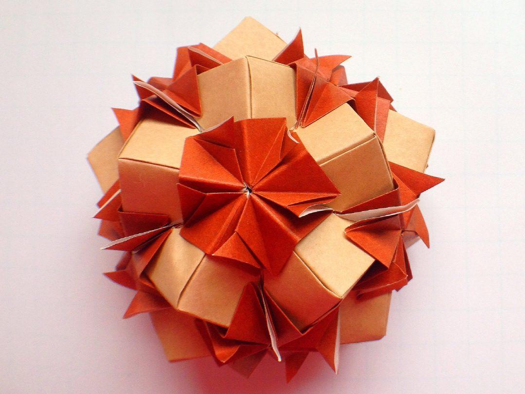 かみなが らんさんによるくす玉 ショコラの折り紙