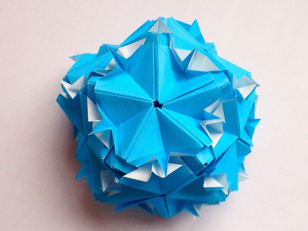 かみなが らんさんによるくす玉 バブルの折り紙