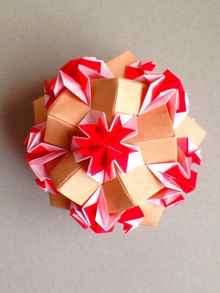 かみなが らんさんによるくす玉 ショートケーキ クリスマス🎄の折り紙