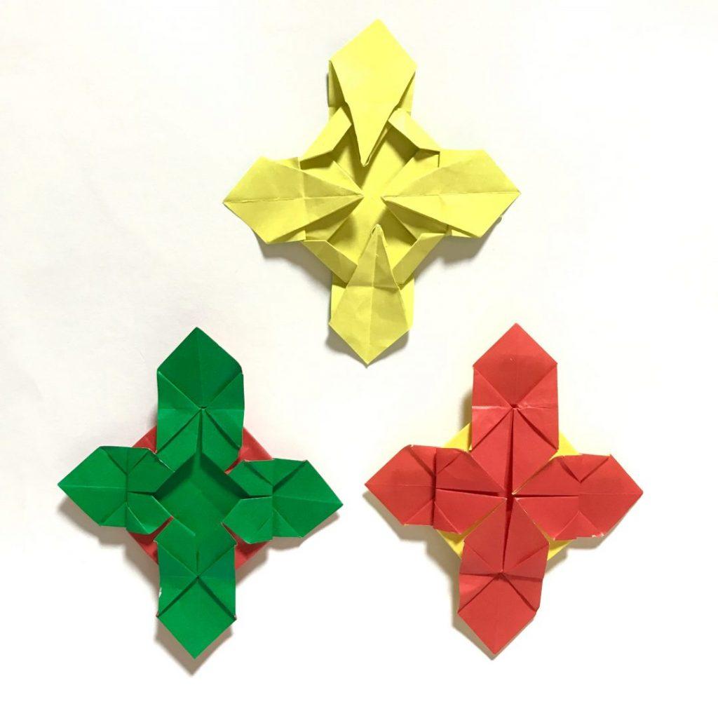 だ〜ちゃんさんによるリバーシブルクロスの折り紙