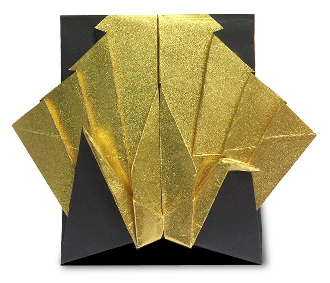 おりがみくらぶ(新宮文明)さんによるつるのたての折り紙