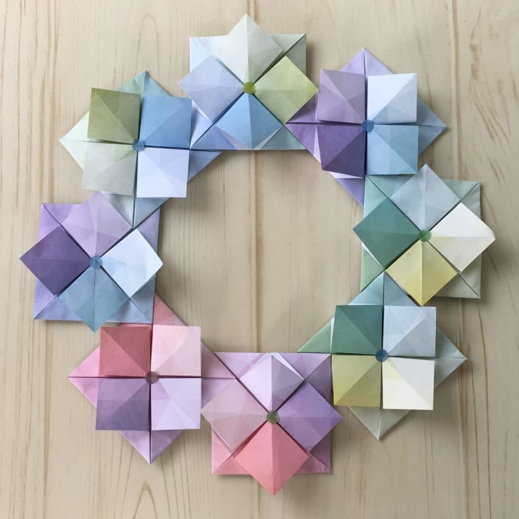 Oriya小町さんによるあじさいリースの折り紙