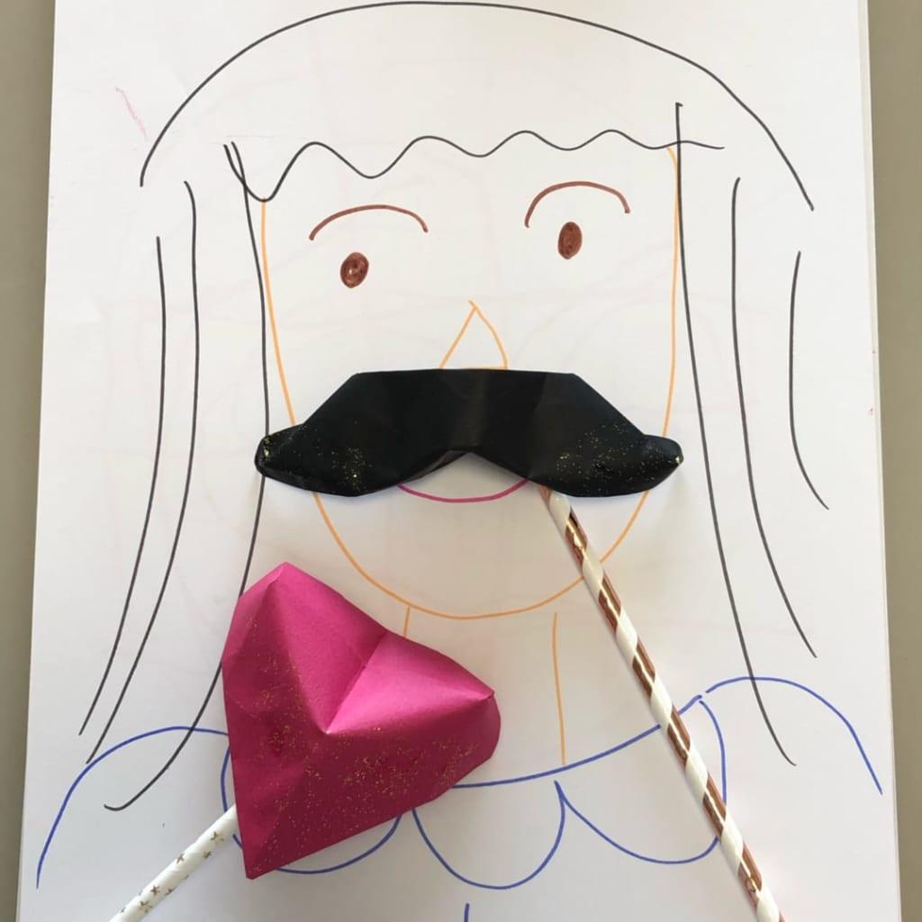 yuhpandaさんによるおヒゲのフォトプロップスの折り紙