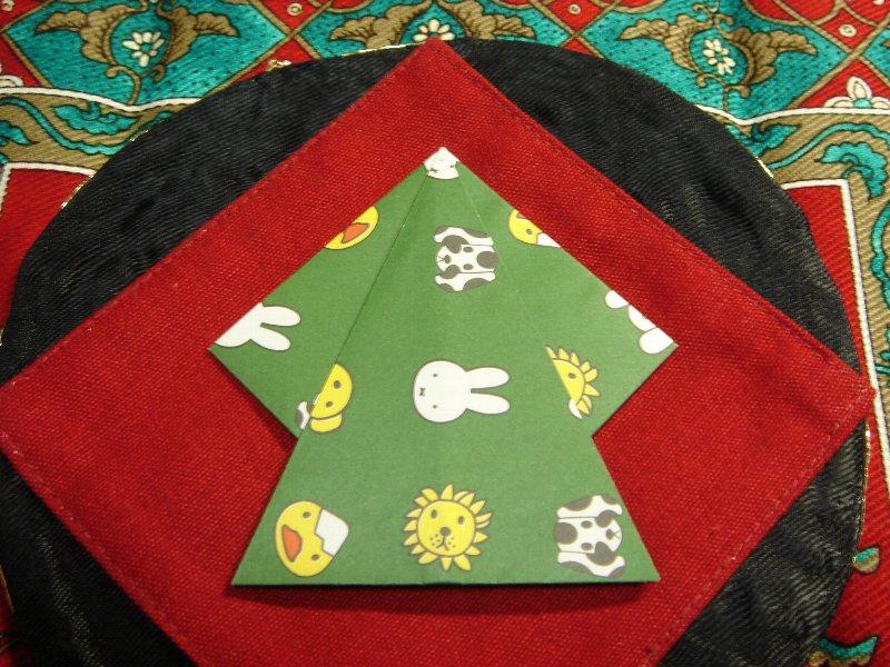 Oriya小町さんによる両面ツリー(片面ツリー&星アレンジ)の折り紙