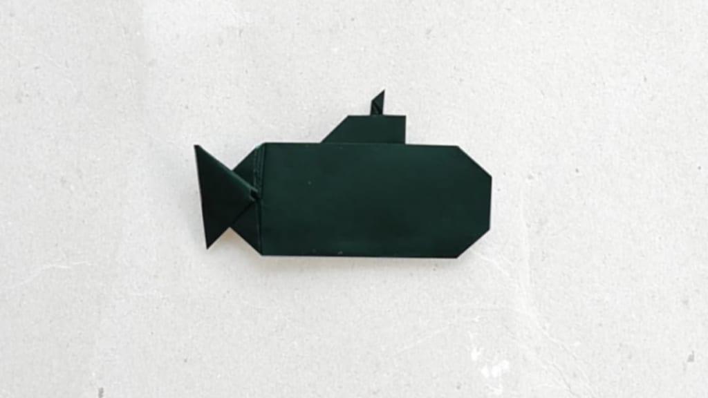 ハディさんによる潜水艦の折り紙